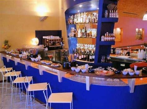 licenze somministrazione alimenti e bevande aprire un bar ecco come italiano sveglia