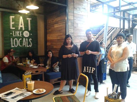 Harga Vans Pvj Bandung the people s cafe di pvj bandung tawarkan food