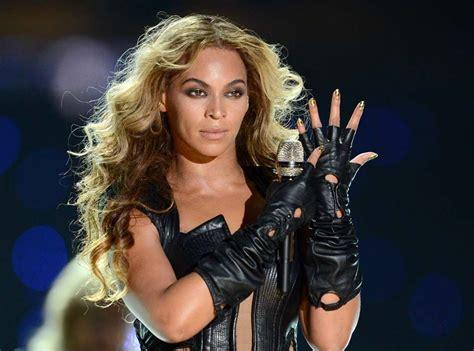 Beyonce Looks Oh So Thrilled by Beyonc 233 Reine De La Manipulation Un Documentaire