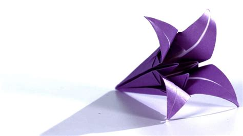 Origami Lilly - decorate your home with these beautiful origami flowers