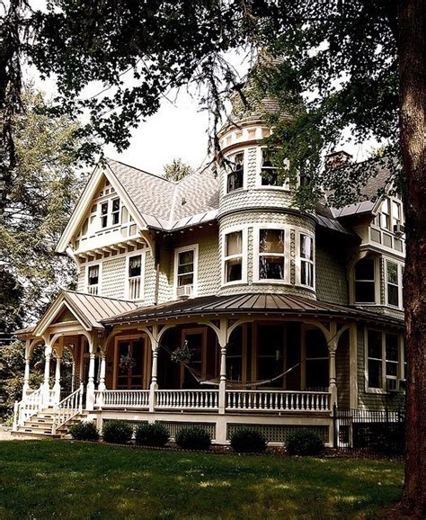 queen anne victorian homes queen anne victorian home beautiful homes pinterest