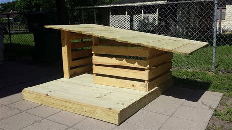 cool dog house ideas cool pallet dog house ideas