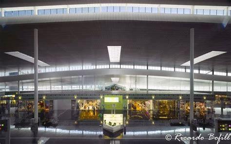 Motorradverleih Mallorca Flughafen by Flughafen Barcelona Spanien