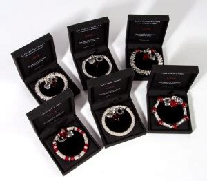 Free Uk Giveaways - clintons jewellery giveaway free stuff finder uk