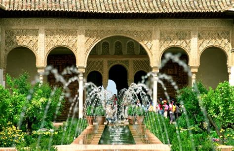 Patio Area by Generalife Alhambra