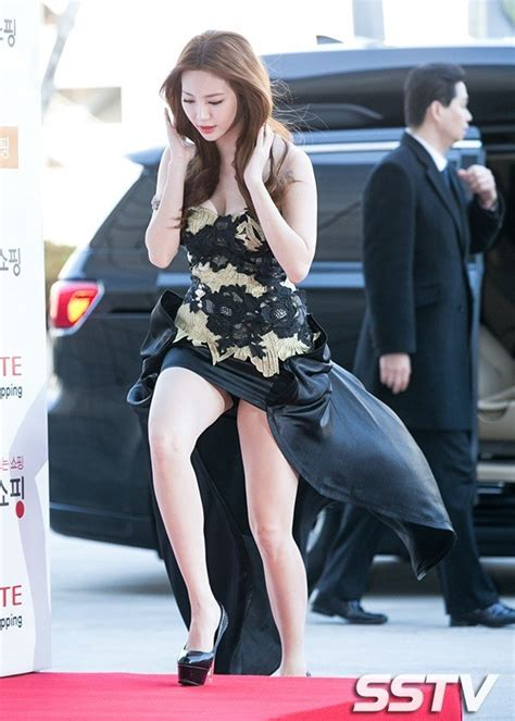 Dress Yura 9 photos reveal yura s carpet dress