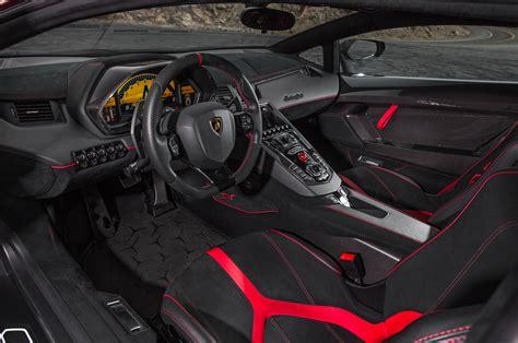 Lamborghini Aventador Reviews and Rating   Motor Trend