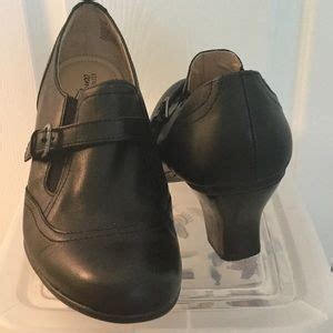 strictly comfort brand shoes strictly comfort on poshmark