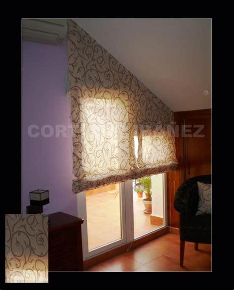cortinas que no pase la luz m 225 s de 20 ideas incre 237 bles sobre dormitorio con techo