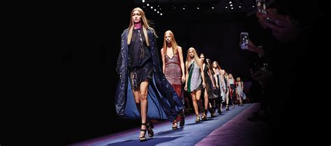 fashion show versace womenswear ss fashion show official website