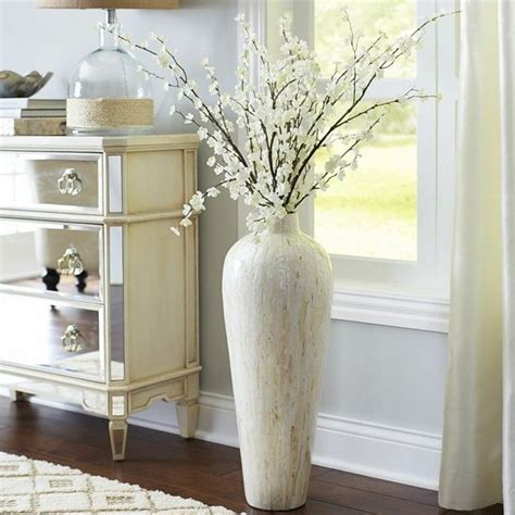Decorating Ideas With Vases 25 Best Ideas About Floor Vases On Floor