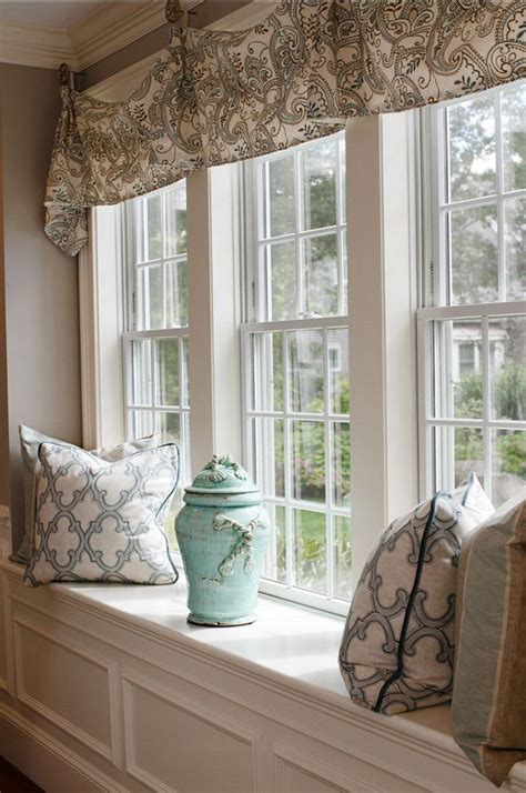 curtains for window seat 25 best ideas about large window curtains on