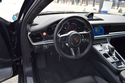 2017 Porsche Panamera Turbo Interior 4