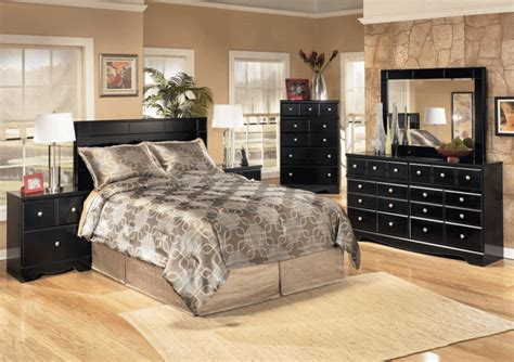 Shay Bedroom Set by Shay Panel Bedroom Set Louisville Overstock Warehouse