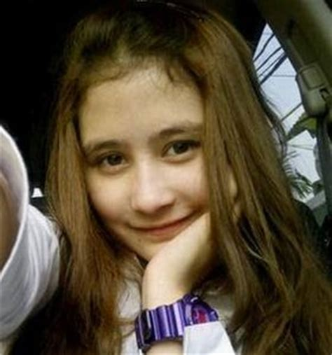 Prilly Whitr entertainment may 2013