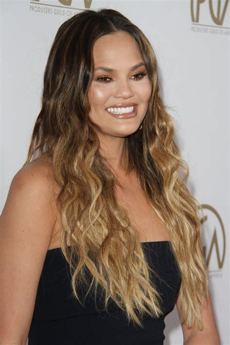 chrissy teigens hairstyles hair colors steal  style