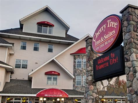 cherry tree hotel where to stay in traverse city michigan cherry tree inn suites