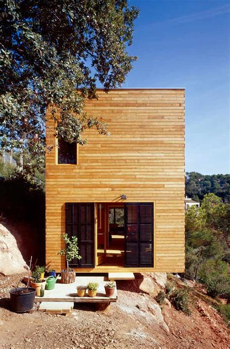 3 amazing eco homes in the united kingdom greener ideal amazing wooden home in barcelona freshome com
