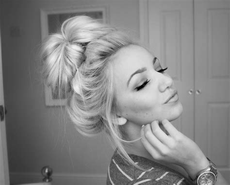 messy hair styles with frost ing done perfect easy messy bun tutorial without sock donut f i
