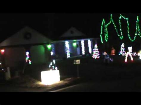 Gangnam Style Synchronized To Christmas Lights Youtube Synchronizing Lights To