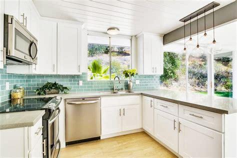 classic white kitchen cabinets classic white shaker kitchen cabinets