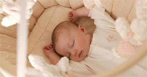 how long should a baby sleep in a swing how long does a 6 week old baby sleep for livestrong com