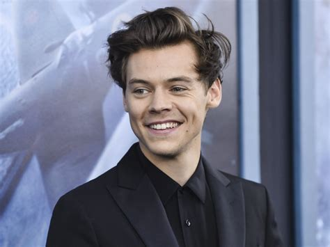 biography of harry styles in english harry styles net worth bio career early life personal