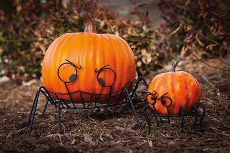 10 green halloween decorations you can reuse and recycle