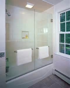 Bathtubs With Glass Shower Doors Best 25 Tub Glass Door Ideas On Bathtub Remodel Tub Shower Doors And Frameless