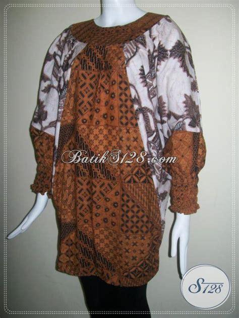 blus batik modern model kelelawar berkaret di lengan