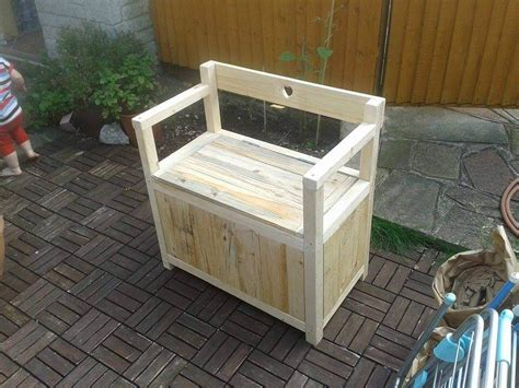 diy toy chest bench pallet toy chest seat or bench