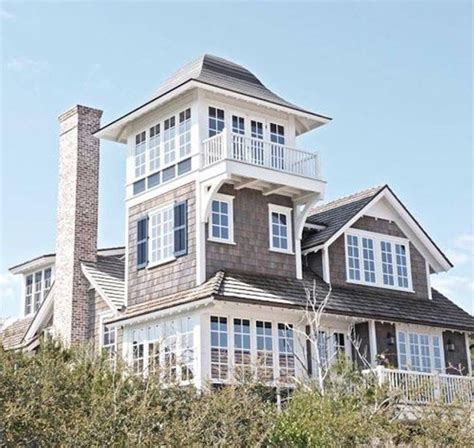 cool beach houses cool nantucket style beach house house ideas pinterest