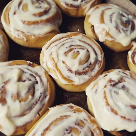 Cinnamon Rolls With Cheese Frosting cinnamon rolls with cheese frosting chefkoch de