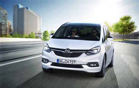 opel zafira 2018 meet the facelifted 2017 opel vauxhall zafira tourer w