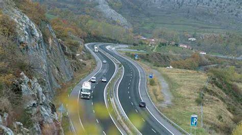 autopista ruta de la plata 6 turismos implicados en 2 accidentes en la ap 66 en