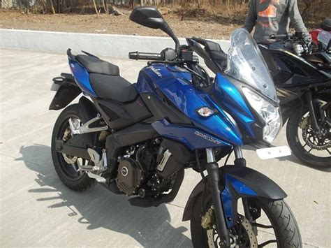 Rear Fender Pulsar 200ns Model Pulsar 200 Ss pulsar 200as pics details differences with pulsar 200ns