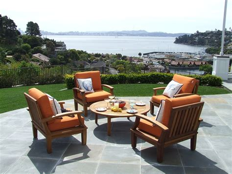 what you should when picking outdoor furniture