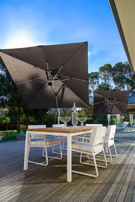 frankford aurora  ft square cantilever umbrella