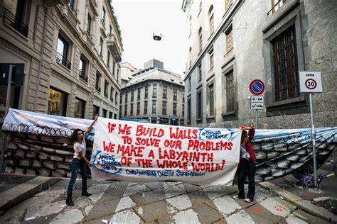 consolato ungherese roma studenti in piazza contro buona scuola e razzismo