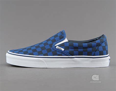 Vans Slip On Checkerboard Darkblue White vans slip on blue checkerboard sneakernews