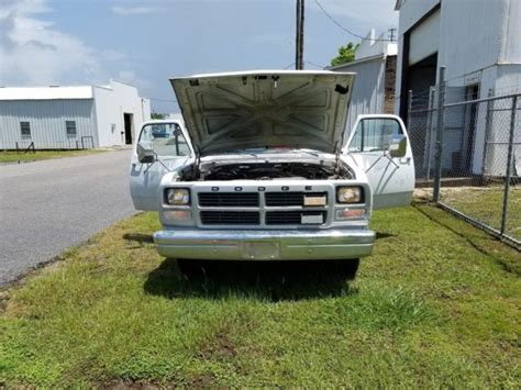 91 dodge d250 91 dodge d250 tool truck with rear crane 700lbs tow