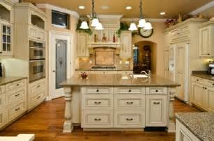 Country Kitchen With White Cabinets Antique White Country Kitchen Cabinets Home