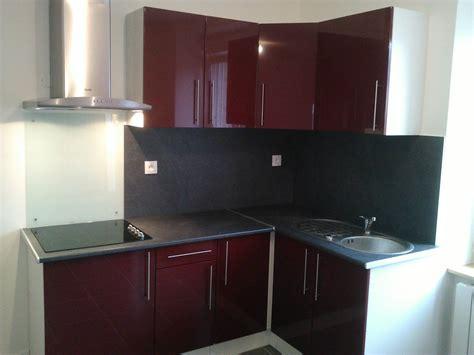 comment poser un 騅ier de cuisine pose evier cuisine armoire de buanderie avec laundry by
