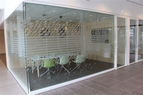 Glas Sticker Binnen Of Buiten by Bewegwijzering Binnen En Buiten Folies Belettering Op Glas