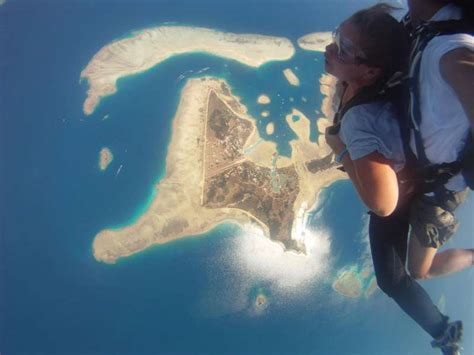 best place to skydive 12 best places to skydive in the world holidify