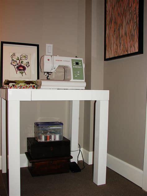 mini parsons desk decorating ideas