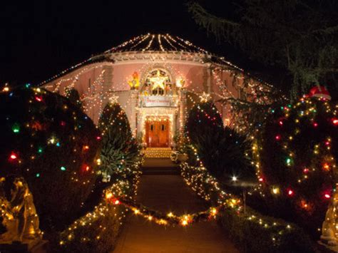 christmas lights ranch style house house design ideas