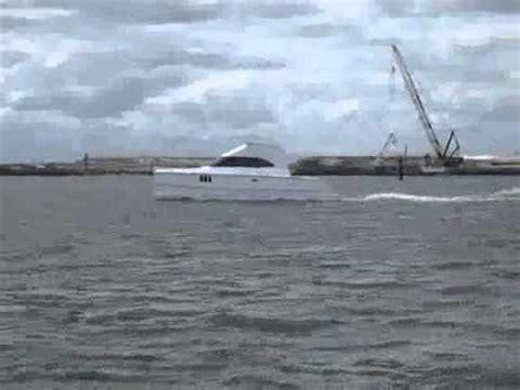 catamaran vs monohull in rough seas 2007 buzzardsbay power cat running doovi
