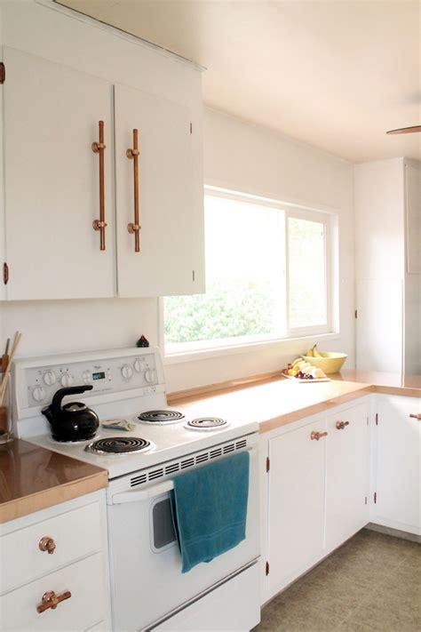 poign馥 de porte de placard de cuisine portes de placard cuisine brokhult porte lment bas