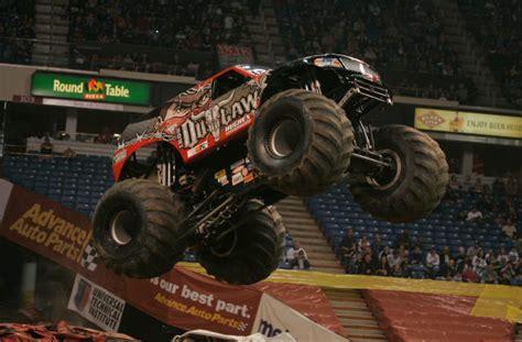 monster truck show sacramento sacramento california monster jam january 23 2011